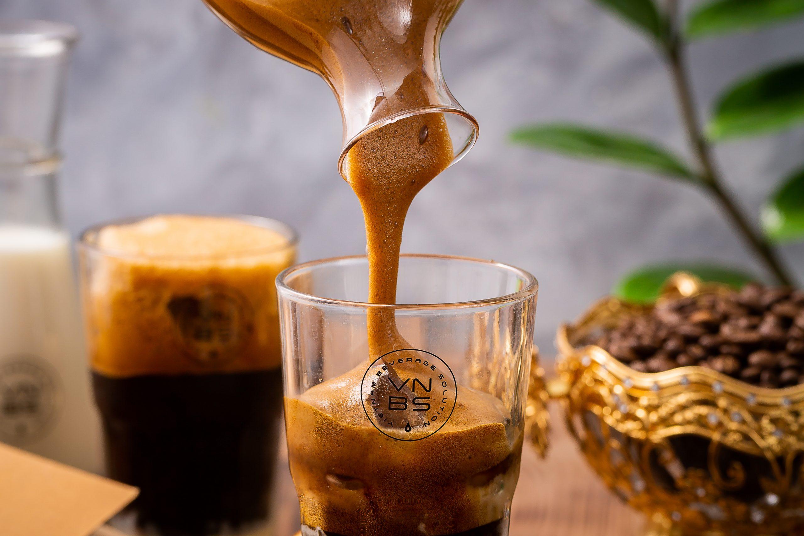 Khoá học pha chế cà phê máy tại VNBS