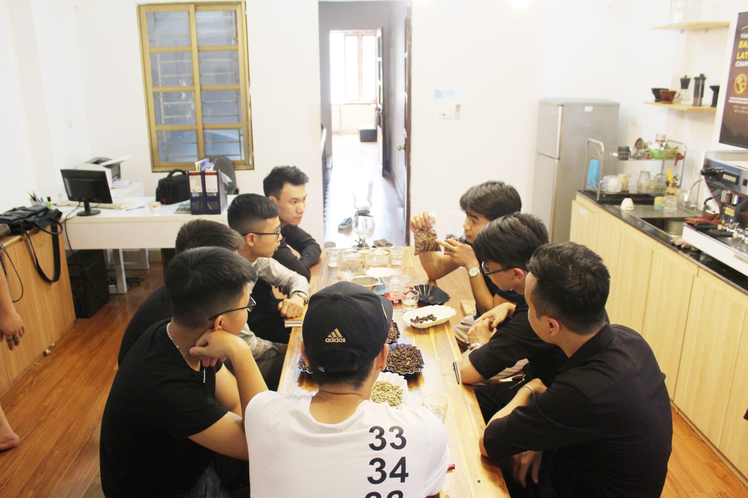 Khóa học pha chế cà phê truyền thống Hà Nội VNBS